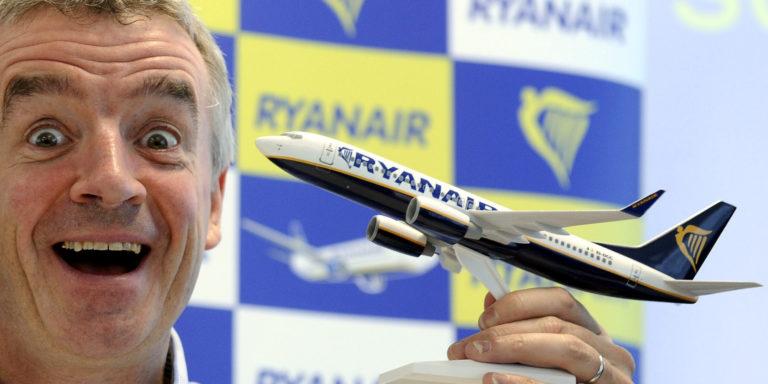Ryanair chiude anno a 867 milioni