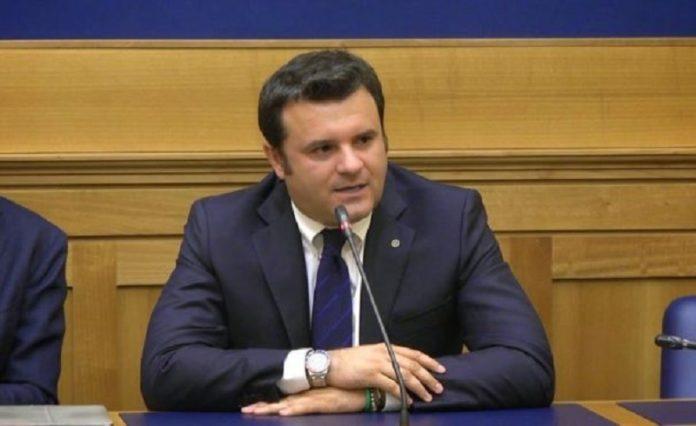 Confindustria alberghi incontra il ministro centinaio for Confindustria alberghi