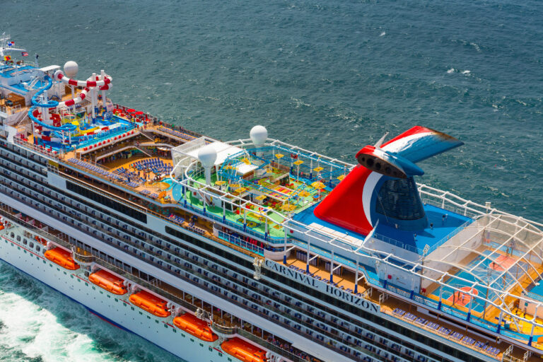 Carnival Cruise Lines  vince 4 degli  USA Today 10Best Awards