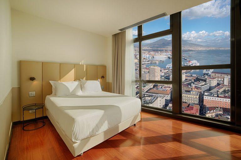 NH Napoli Panorama è pronto ad accogliere i suoi ospiti con un nuovo look