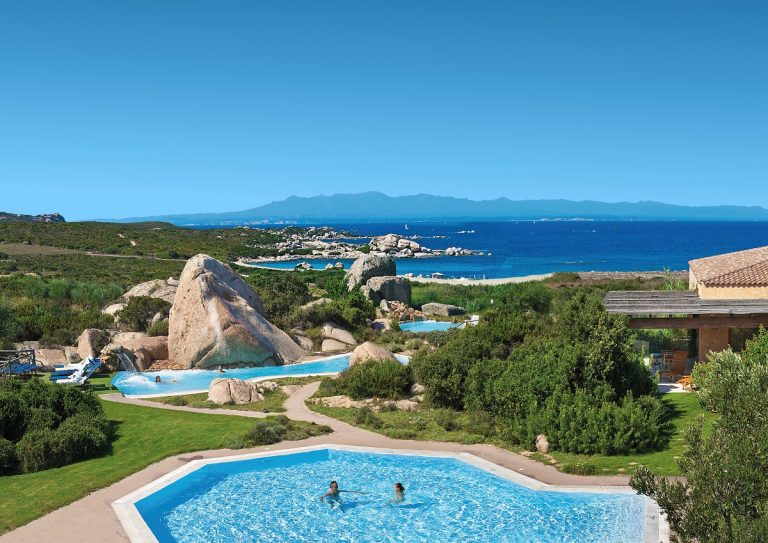 Intesa Sanpaolo: 5 milioni di euro per  la crescita sostenibile di Delphina Hotels & Resorts