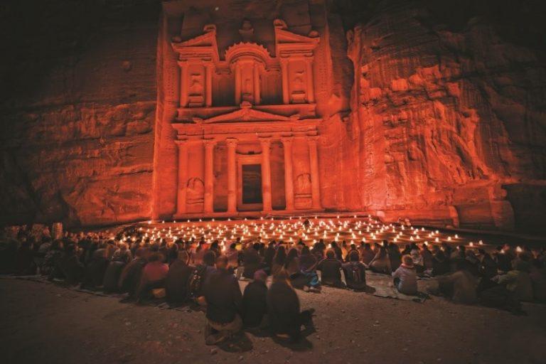 Giordania: riapre Petra by night